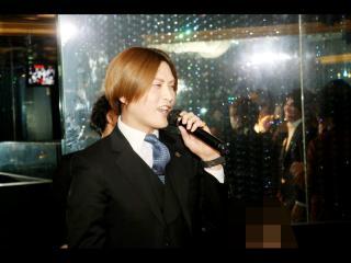 最後はイメチェンした白楽執行取締役の1枚で☆以上「TOPDANDY」より昇格祭の模様をお届けしました!!