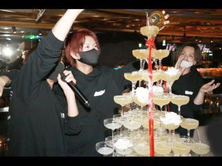 シャンパンももちろん開封していきます!